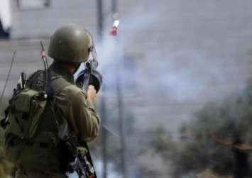 إصابات واعتقالات خلال قمع مسيرة فلسطينية بـ