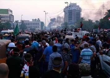 المحتجون العراقيون يعاودون إغلاق ميناء أم قصر